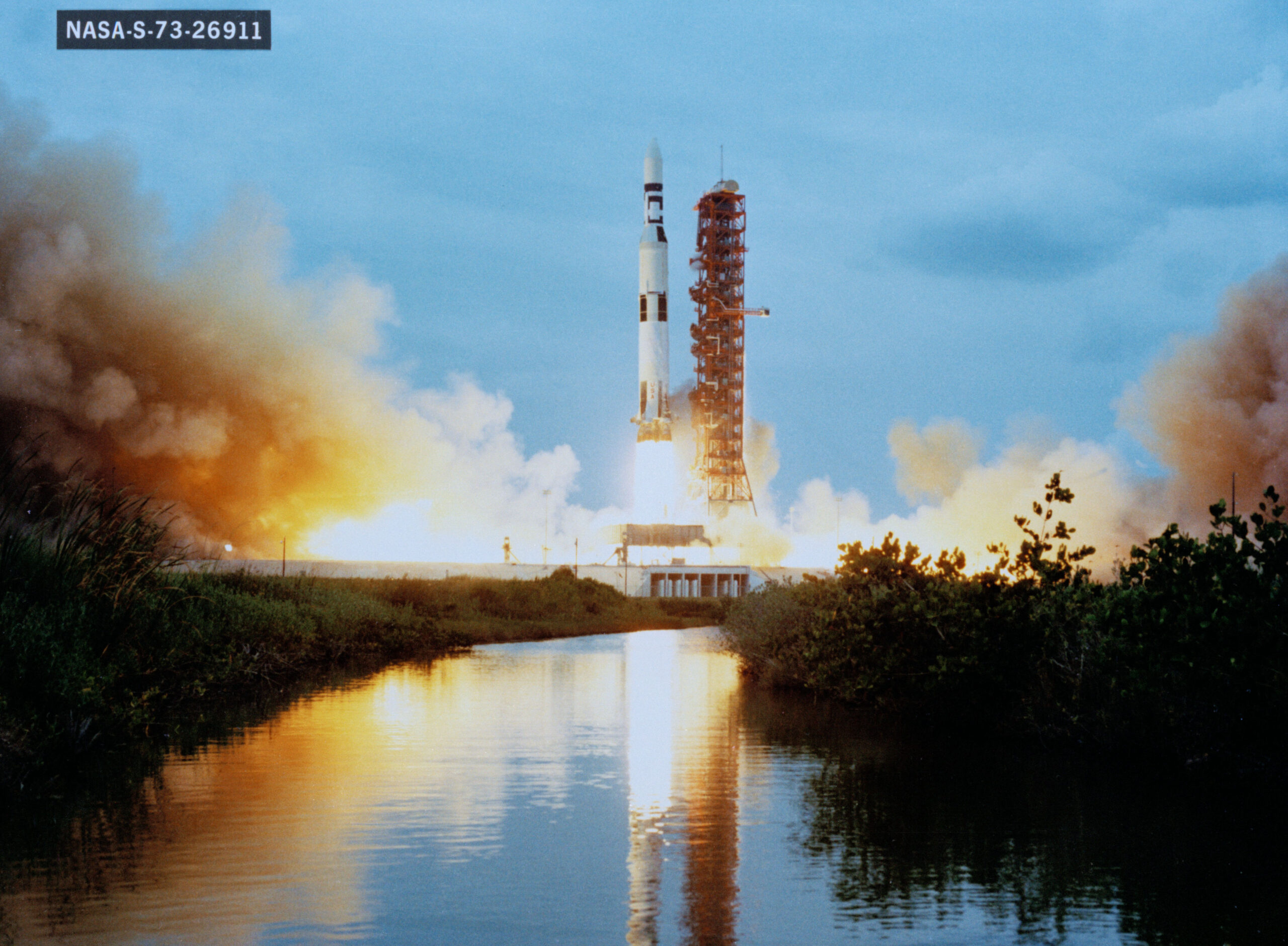 Skylab 1 is launched from Kennedy Space Center ontop.vn