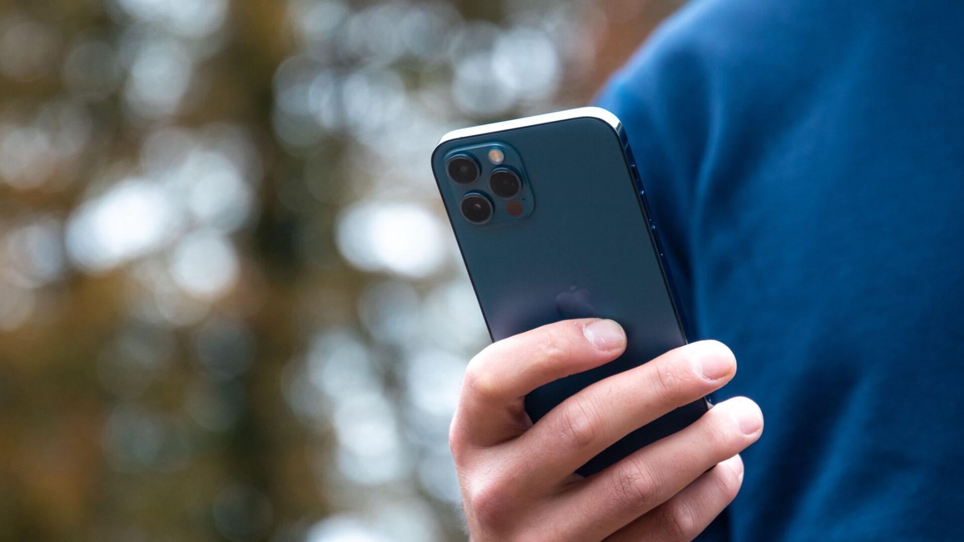 iPhone 13 đang được ship đến tay khách hàng