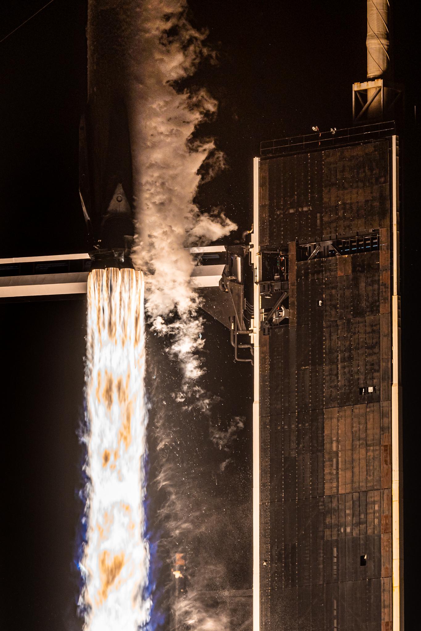 Động cơ chính của tên lửa Falcon 9.